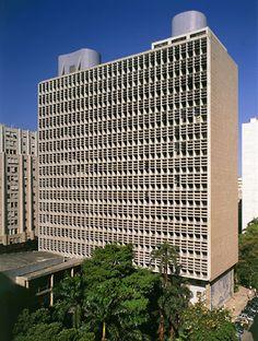 Ministério da Educação e Saúde (atual Palácio Capanema), Rio de Janeiro. Lúcio Costa e equipe, 1936-42