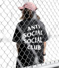 "1,100 Me gusta, 10 comentarios - outfit boy™ (@outfit_boy) en Instagram: ""Anti social social club This Outfit Girl Is @kayeawatin"""