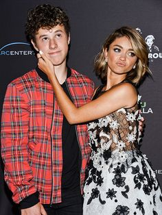 Star Tracks: Wednesday, April 22, 2015 | SIBLING RIVALRY | Sarah Hyland is every bit the older sister to her Modern Family costar Nolan Gould at the L.A. premiere of Hyland's film See You in Valhalla on Tuesday.