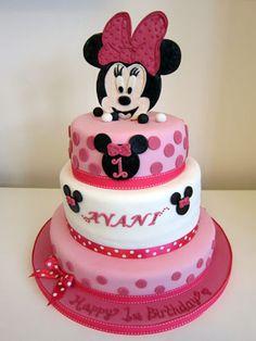The Disney Cake Blog: Minnie Mouse Tier Cake #disneycakeblog