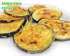 Cómo hacer berenjena frita y crujiente Veggie Recipes, Cooking Recipes, Healthy Recipes, Boricua Recipes, Eggplant Zucchini, Light Cheesecake, Bon Appetit, Tapas, Food And Drink