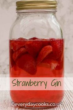 Strawberry Gin is brilliant in summer cocktails or fruit punch. Flavored Alcohol, Flavoured Gin, Homemade Alcohol, Homemade Wine, Gin Drink Recipes, Rum Cocktail Recipes, Alcohol Recipes, Cocktail Drinks, Strawberry Gin