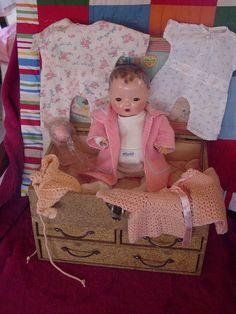 EFFANBEE VINTAGE RUBBER DY-DEE BABY DOLL IN ORIGINAL TRUNK W TONS OF ACCESSORIE   | eBay