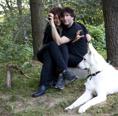 I just requested it from Neil. In the pictures is Neil Gaiman, Amanda Palmer and Neil's dog Cabal. Neil and Amanda ar. Neil and Amanda w Zombie Arm Neil Gaiman Quotes, Silence In The Library, Dresden Dolls, The Graveyard Book, Amanda Palmer, Terry Pratchett, American Gods, Cinema, Best Couple
