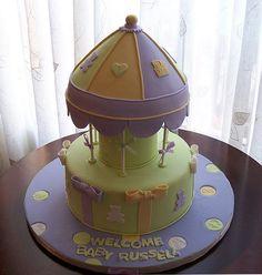 Carousel cake for a baby shower | Flickr: Intercambio de fotos