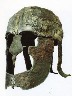 Early medieval Viking helmet, both formidable and intimidating. Viking Armor, Ancient Armor, Viking Helmet, Armadura Viking, Viking Pictures, Viking Images, Nordic Vikings, Medieval Helmets, Viking Culture