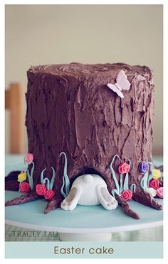 Easter Cake ~ Stack some round cakes and make the bunny butt out of fondant. If I was a cake-making person this would be really fun to make!!