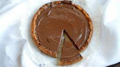 Crostata con caramello e cioccolato