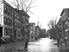 Third St south of Ferry St 1913