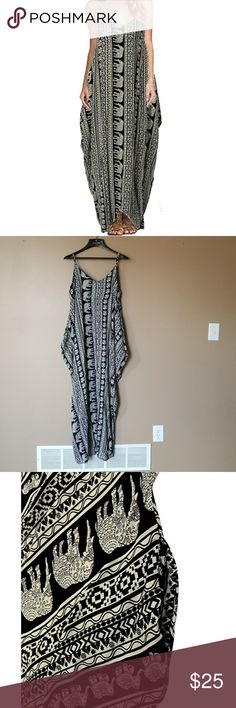 """NWT! Boho Beach Dress Gorgeous flowy dress perfect for summer. Never worn, had to reattach the tag, it came off.  Its got pockets!  Fits sizes 8/10.  Length is 55""""  Bust is 39"""" Elephant print. *Sorry price is firm* zanzea Dresses Maxi"""