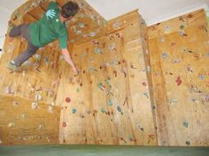 I want an office in my house to have one of these. detail info on building a climbing wall Indoor Climbing Wall, Rock Climbing, Bouldering Wall, Climbing Workout, Backyard Office, American Ninja Warrior, Rock Wall, Garage Gym, Mountain Climbing