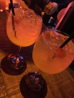 Bar Drinks, Alcoholic Drinks, Cocktails, Alcohol Aesthetic, Aesthetic Food, Y Food, Food Porn, Snap Friends, Late Night Food