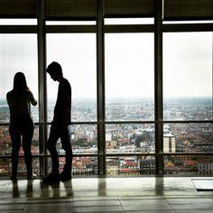 """""""Una coppia ben assortita: luno finge di ignorare quello che laltro finge di sapere."""" J. Josipovici  #pirellone#milano#milanocity#milanodavedere#vivomilano#view#ig_milan#skyline by nadinediaries"""