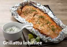 Grillattu lohifilee  Resepti: Valio #kauppahalli24 #ruoka #resepti #lohi Ketogenic Recipes, Low Carb Recipes, Diet Recipes, Vegan Recipes, Finnish Recipes, Scandinavian Food, Good Food, Yummy Food, Watermelon Salad