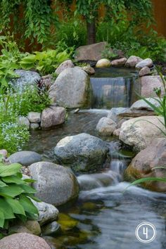 The Secret to Creating a Low Maintenance Pond Aquascape-Wasserfall angetrieben durch Teich-Pumpe Waterfalls