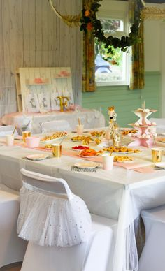 Photography: Kelly & Dan Harmer Most little girls dream of being a ballerina or princess at some stage don't they? And if my two girls are anything t Soiree Party, Swan Lake, Girls Dream, Little Girls, Table Decorations, Birthday, Manualidades, Toddler Girls, Birthdays