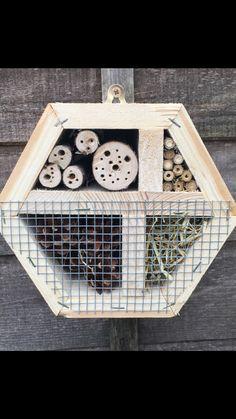 Pallet wood hexagon bug hotel #bughotel #palletwood