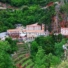 The Monastery of Proussos, is a monastery of the prefecture of Evrytania. Located 31 km south of Karpenissi and 53 northwest of Agrinio, by Ninemia Bungalows resort Bungalow Resorts, Where The Heart Is, Greece Travel, Santorini, Athens, Places To Go, Island, Bungalows, Homeland