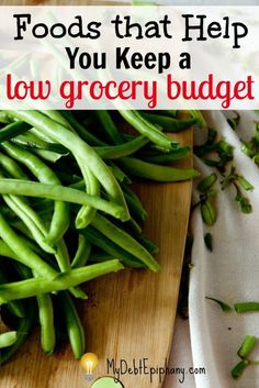 Foods that Help You Keep a Low Grocery Budget. Finding affordable healthy foods at the grocery store has never been easier. Frugal Tips, Frugal Meals, Cheap Meals, Budget Meals, Affordable Healthy Meals, Frugal Recipes, Cheap Recipes, Unique Recipes, Eat On A Budget