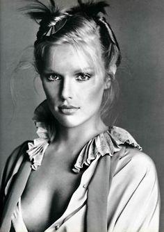 Patti Hansen, 1977 Photographer: Richard Avedon