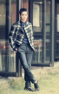 TOP (Choi Seung Hyun) ♡...plaid military style jacket