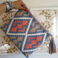 Best 12 Tapestry clutch … I wanted to make the complete Rhombus so it came out grand – SkillOfKing. Tapestry Crochet Patterns, Crochet Quilt, Crochet Stitches Patterns, Crochet Motif, Knitting Patterns, Knit Crochet, Crochet Clutch, Crochet Purses, Tapestry Bag