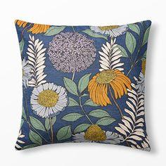 Kudde Joan's Garden design av Abigail Borg, 50x50 cm, flerfärgad, 2 st till soffan