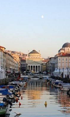 Trieste: Ponterosso, Italy (by Adriana Fonda)