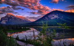 Télécharger fonds d'écran Vermillon Lacs, Coucher de soleil, montagnes, forêts, lacs, parc national Banff, Canada