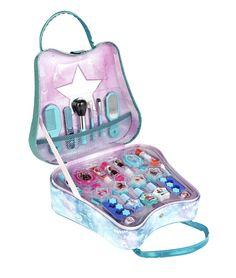 Disney Frozen 2 Weekender Bag with Makeup Disney Frozen Nails, Disney Frozen Toys, Kids Makeup, Makeup Toys, Beauty Kit, Beauty Case, Helloween Wallpaper, Cute Best Friend Gifts, Disney Princess Gifts