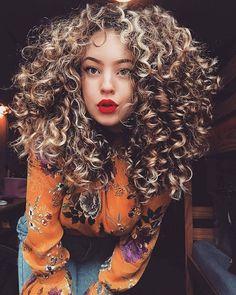 @chvraa Curls anyone! Pretty! @sintoniacacheada