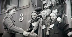 finska krigsbarnen | Finska krigsbarn: Reportage: Forskning: Linköpings universitet Finnish Women, Black And White Pictures, Finland, Wwii, Scandinavian, Che Guevara, Couple Photos, Children, Warriors