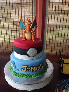 Pokemon Charizard cake