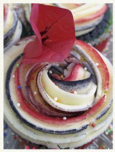 Rainbow Cupcakes con buttercream coloreada