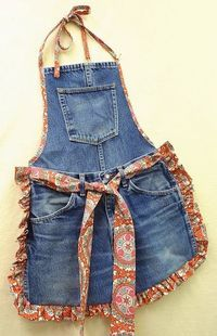 Recycle Old Blue Jeans into a Fun Apron. The post Recycle Old Blue Jeans into a Fun Apron. appeared first on Jeans. Jean Crafts, Denim Crafts, Diy Jeans, Diy With Jeans, Artisanats Denim, Jean Diy, Thrift Store Refashion, Jean Apron, Cool Aprons