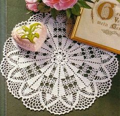 VK is the largest European social network with more than 100 million active users. Filet Crochet, Crochet Doilies, Z Photo, Hobbies And Crafts, Whimsical, Napkins, Creative, Projects, Pattern