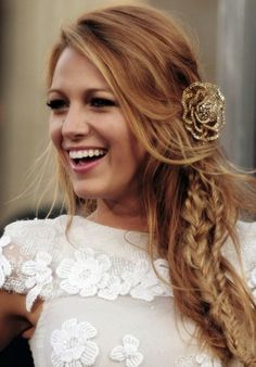 LOVE Blake Lively. Although I'd never turn into a blonde of any sorts, this color is gorgeous. So is the messy style and hair piece :)