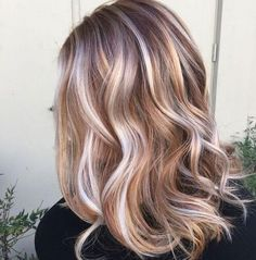 Trendy Hair Highlights : Ideas for Light Brown Hair Color with Highlights and Lowlights ★ See more:… Balayage Ombré Blond, Hair Color Balayage, Balayage Highlights, Chunky Highlights, Red Hair With Silver Highlights, Haircolor, Blonde Hair With Copper Lowlights, Strawberry Blonde Highlights, Summer Highlights
