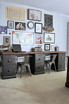 A quick file cabinet desk DIY using thrifted metal file cabinets and a simple DIY file cabinet desktop from common wood. An easy and inexpensive project! Desk File Cabinet Desk DIY Home Office DIY Desk Repurpose Furniture Diy Office Desk, Home Office Space, Diy Desk, Home Office Desks, Office Ideas, Office Furniture, Office Organization, Furniture Nyc, Furniture Ideas