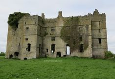 Knock On The Door, Big Lake, Tower House, Coat Of Arms, Castles, Countryside, Mount Rushmore, Irish, Hunting