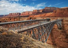 Millions of years in the making, Vermillion Cliffs National Monument ... die Navajo Bridge over Colorado River near Marble Canyon.