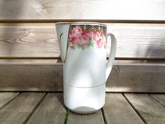 large vase, old white earthenware Broc with roses décor and gilts, St Amand, beautiful French decor Shabby Chic romantic