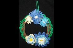 ghirlanda natalizia all'uncinetto fiorita - crochet christmas decoration flowers