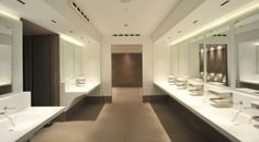 Teuco produced the custom toilet facilities for the brand new Autogrill station Villoresi Est. Take a look to the continuous #Duralight #vanity top with integrated #washbasins and mirror.