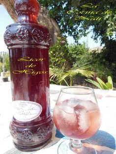 Aquí os traigo otro licor que está delicioso. En esta ocasión lo he sacado del blog EL PUCHERETE DE MARI.  Es sencillo de preparar y realmen...