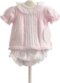 69a3f391d Conjunto de jersey y cubrepañal Nueva colección primavera-verano · Esta  confeccionado en punto de