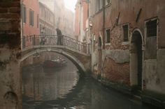 Misty morning in Venice - Terence Walsh