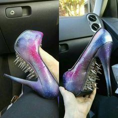 """22.1 mil Me gusta, 329 comentarios - GOTHS UNITE (@gothsunite) en Instagram: """"Credit: @coalmine_canary 's shoes by @zombiepeepshow ♥ This is deliciously savage! . . . Featured…"""""""