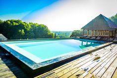 Top 10 pensiuni cu piscine uimitoare, despre care n-ai crede că sunt în România Bora Bora, Mauritius, Bali, Outdoor Decor, Home Decor, Decoration Home, Room Decor, Home Interior Design, Home Decoration