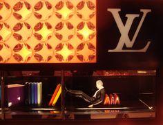 Figurines Décors de Vitrines Louis Vuitton, ici à Shanghai - octobre 2013!
